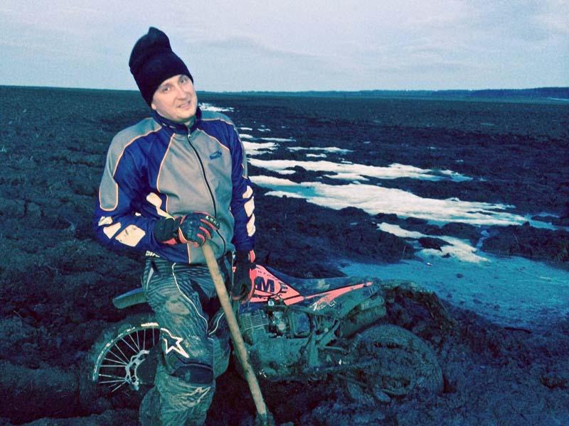 Лопата - лучший друг мотоциклиста