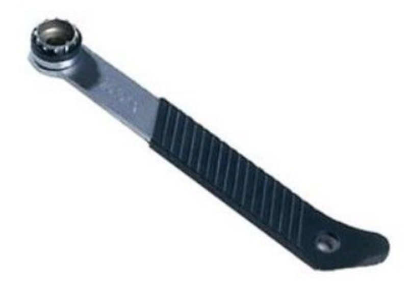 Велосипедный ключ для снятия кассеты звезд велосипеда можно купить как оригинальный за 25 долларов, так и китайский за 10.