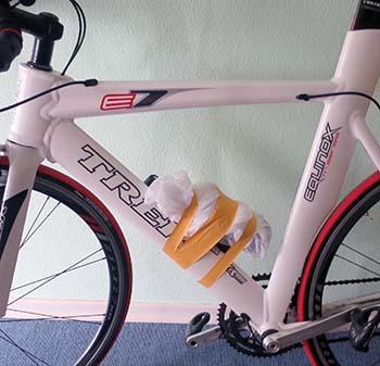 Лучший вариант прокладки тросов и рубашек велосипеда для триатлона - внутри рамы