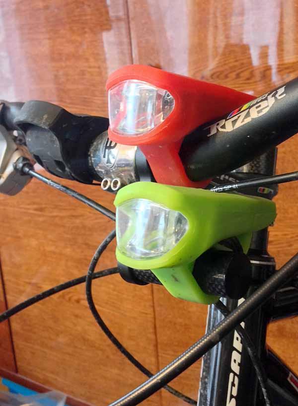 Крепление для дополнительного фонаря на руль велосипеда