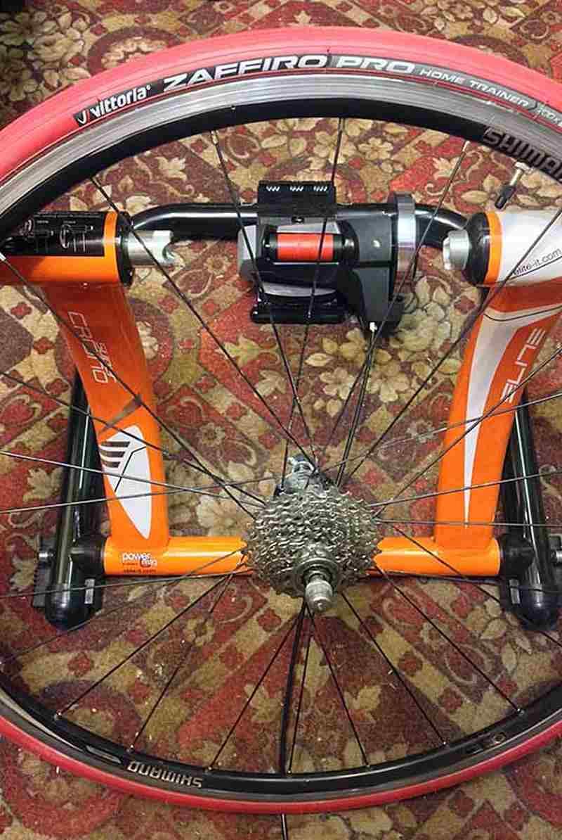 Собранное заднее колесо для велотренажера