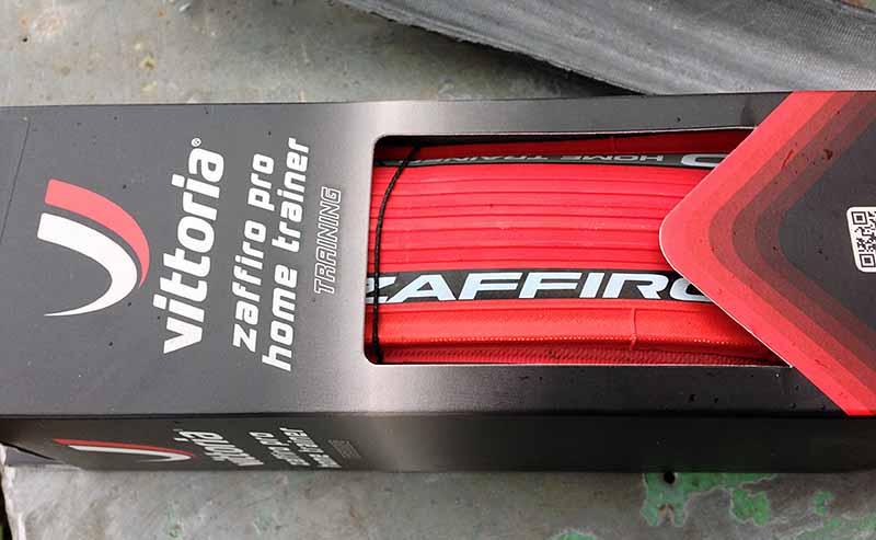 Специальная покрышка для велостанка - турбо-трейнера Vittoria Zaffiro Pro Home Trainer 700x23