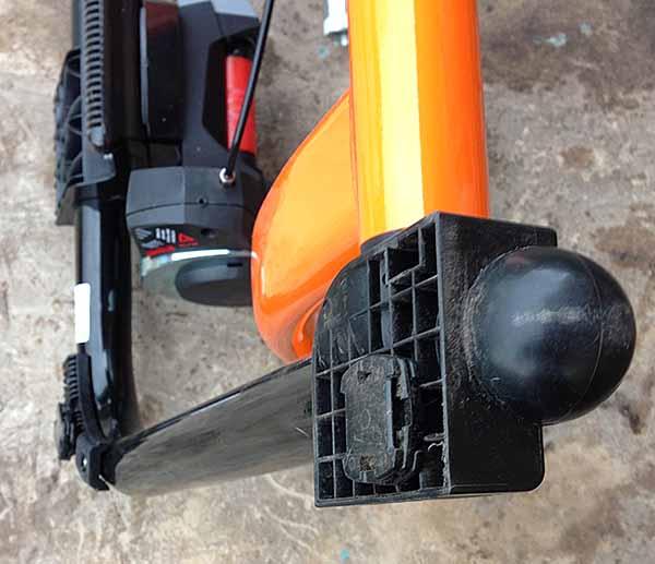 Специальные ножки спереди для регулировки вертикали велостанка - турбо-трейнера Indoor Magnetic Bike Cycling Home Trainer Elite SuperCrono Power Mag ElastoGel