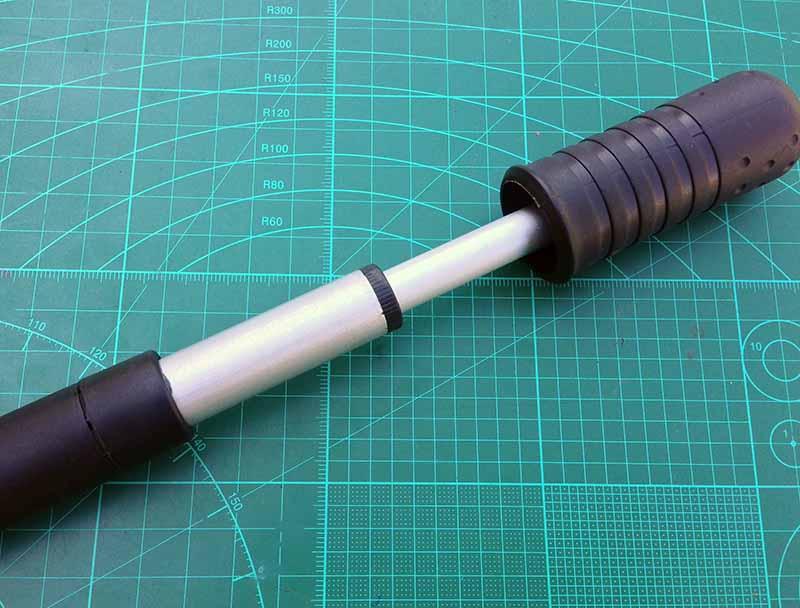 У насоса CycleDesign ручка телескопическая - колесо можно накачать немного быстрее и немного легче