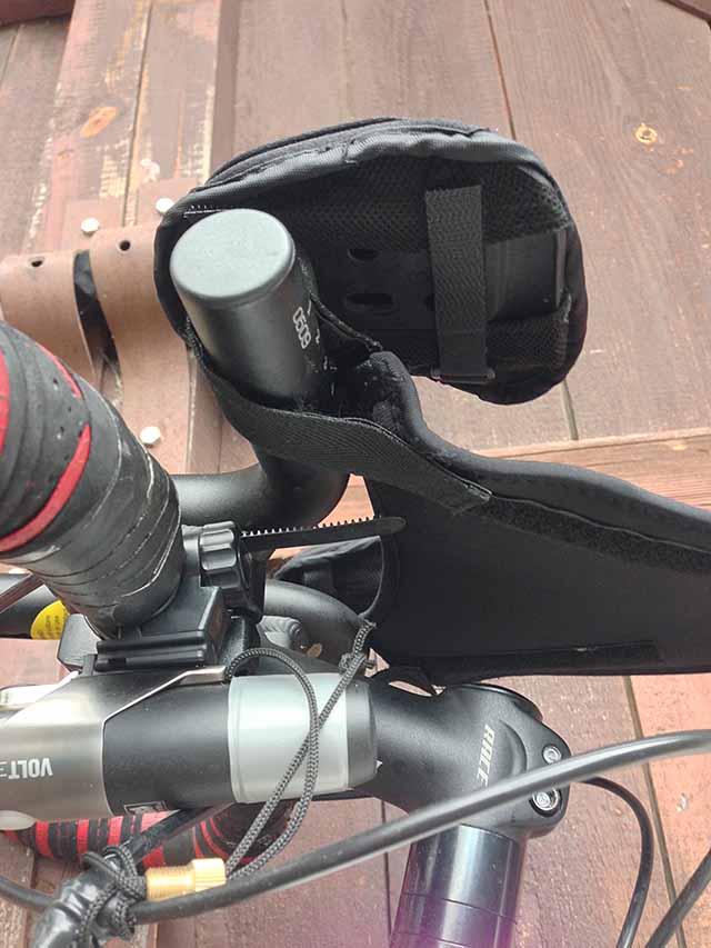 Защита от пота для велотренажера - турбо-трейнера крепится к рулю на липучках