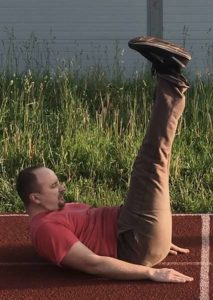 2-Зарядка и упражнения для похудения - Зарядка для живота качаем пресс поднимаем ноги и туловище